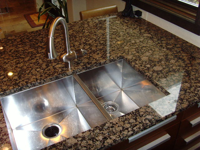 Kitchen drain odor removal