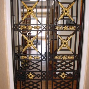 How to install a front door gate