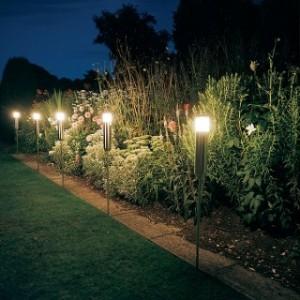 Giardino percorsi paesaggio illuminazione