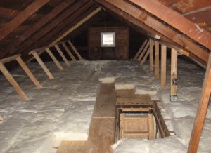 Attic isolering