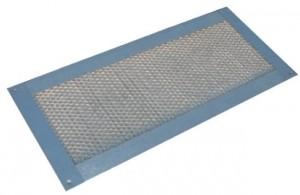 Instalación de rejillas de ventilación del ático sofito