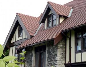 Konvertera ett valmat tak till ett sadeltak