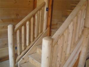 Bytter ut en gammel trapp gelender