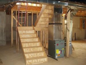 A construção de uma escada escada do porão