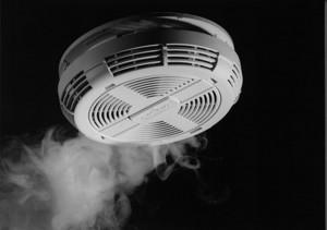 Über rauch-und wärmemelder