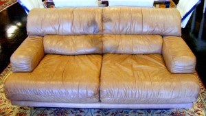 Improve the aspect of an old leather sofa