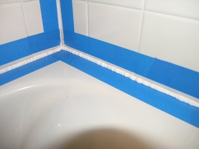 4 mistakes to avoid on bathtub caulking