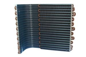 Limpieza de un condensador de aire acondicionado