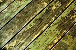 Removing mildew from wood decks