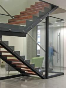 Escada de benefícios do aço