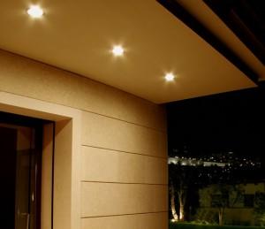 Sotaque luzes Instalando em beirais