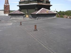 Miksi sinun pitäisi asentaa kumi katto