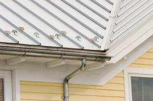 Préparation de toit pour le revêtement d'acier