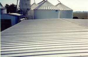 Installing flat metal roofing
