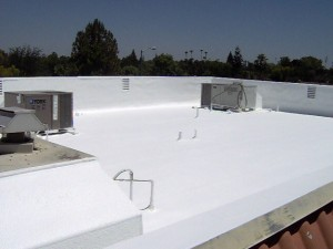 A instalação de um telhado de espuma