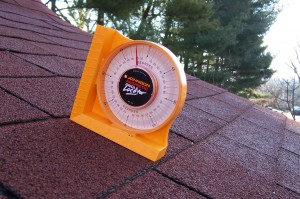 How to calculate a home's roof angle for construction