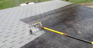 Cleaning roofs with little money