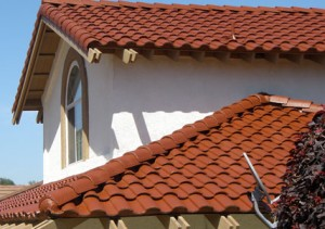 Fixing a leaking clay tile roof