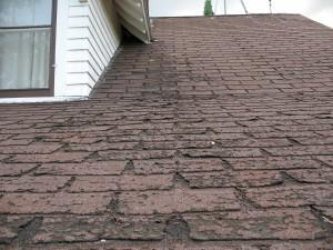Comment réparer un toit en asphalte