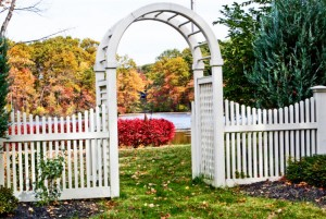 Cutting an arch fence design