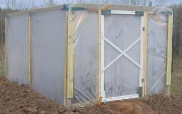 La construcción de un invernadero de plástico