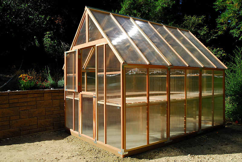 Constructing energy effective greenhouses